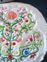Embroidery-style cake decorating with sprinkles by tracylopez