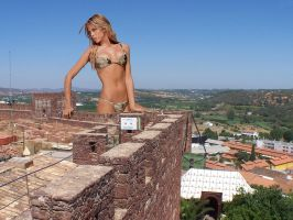 Giantess in Silves by Accasbel