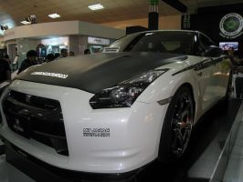 Nissan GTR R-35 Left by Tal2008