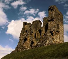 Scarborough Castle by dramaticpeanut
