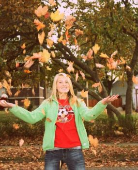 throwin.of.the.leaves. by sarachon