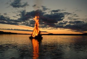 Floating Bonfire by Pete13K