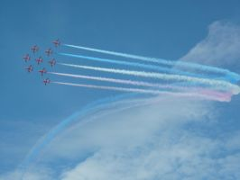 Red Arrows by squanpie