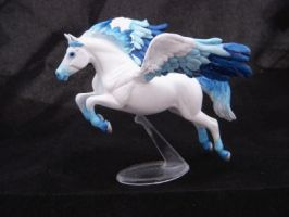 Breyer Custom SM Pegasus by colorscapesart