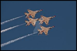 09 nellis Thunderbirds 5 by AirshowDave