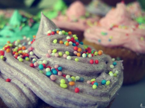 Cupcakes 1 by L-L-P