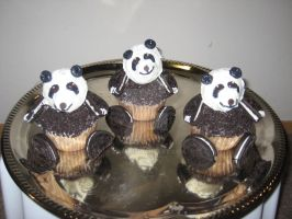 Panda Cupcakes by Lil85