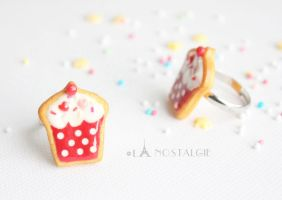 Beautiful cupcake jewelry sugar cookies red white by LaNostalgie05