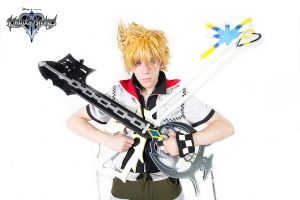 Roxas, Oathkeeper and Oblivion [2010] by moulinneufbeast
