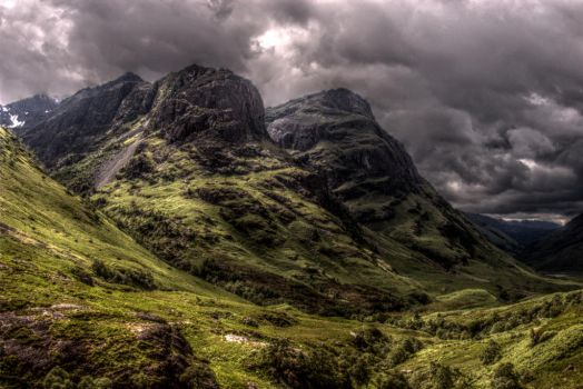 Glencoe HDR by ClintonKun