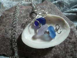 Seashell Necklace by DaisyLeeDesigns