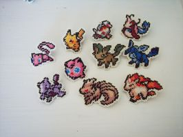 Pokemon pins -random set- by HopperARTZ