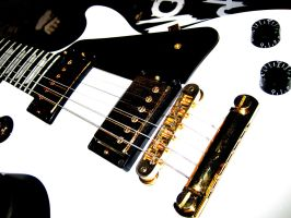 Les Paul, baby. by Mich-Iero