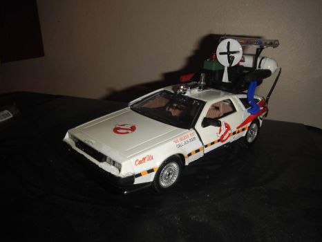 Delorean Ecto by Matareno