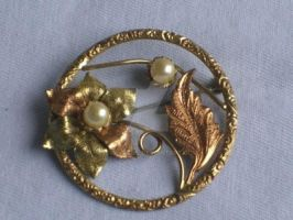 Vintage Two-tone Flower and Leaves Circular Brooch by sevvysgirl