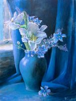 White And Blue Arrangement by Boias