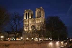Paris, Notre Dame at night by iscott