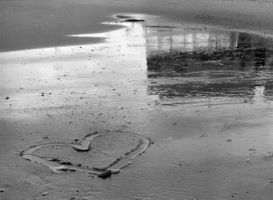 Heart in the Sand by erinroonifer