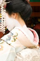 Maiko's neck by andrusm