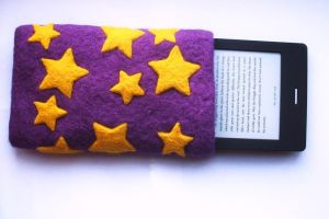 Needle-felted e-book reader cover by Scarygothgirl