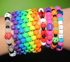 Kandi Left by RanebowStitches