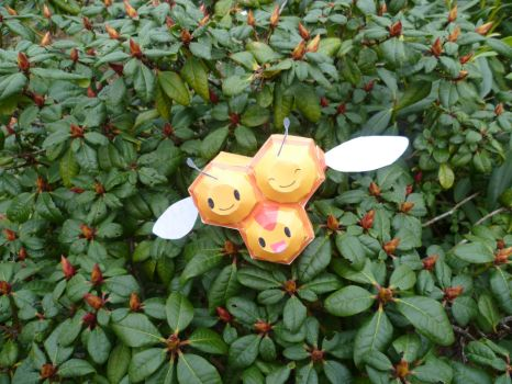 combee by epikachu