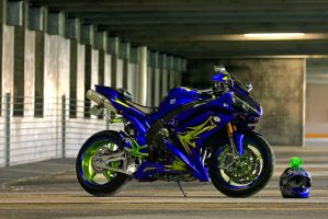 Yamaha R1 by kchiney