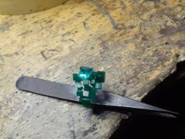Cube ring emerald wax 2 by Debals