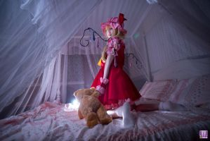 Touhou Project - Flandre Scarlet cosplay by Twoyun by Twoyun