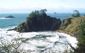 Waves Into Cove 142 by Eolhin