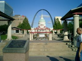St.Louis Arch by sluffies