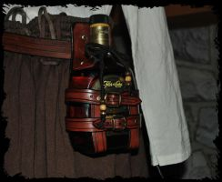 rhum bottle holder by Lagueuse