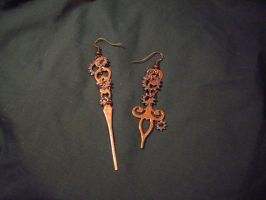Clockwork Earrings by xxAlexaBlack