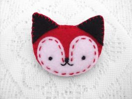 Cute red fox brooch by PeachPodHandmade