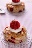 Strawberry lime scones by kupenska