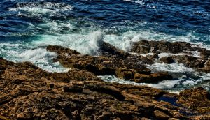 Turbulent water by forgottenson1