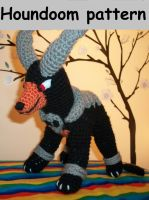 Houndoom crochet plush PATTERN by Sasophie
