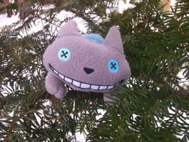 Smiling at you from the  pine tree by sebbylover231