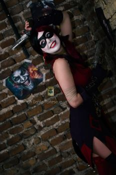 Harley Quinn - May the clown kiss the bride! by Thecrystalshoe
