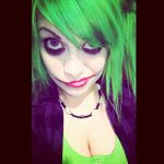 Because I have green hair... by KiMMERWiMMER