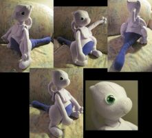 Baby Mewtwo Plushie by Ferngirl