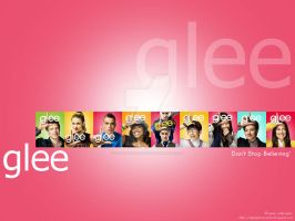 Red Glee Wallpaper by dgraphicrookie