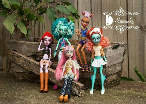 Monster High Repaints by jlaynaeb