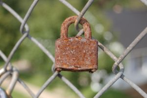 Locked and Rusted by cyspence