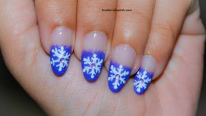 Purple Tips and Snowflake by Gorgeousnails
