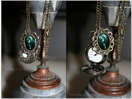 Collier au fil du temps by PoussiereObsidienne