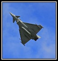 Typhoon In The Blue by lizzyr
