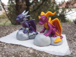 My Spyro and Cynder sculptures by klumtimea