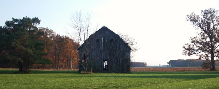 Old Barn 2 by almosthuman75