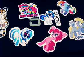 My new computer stickers eue by CrispyCreme